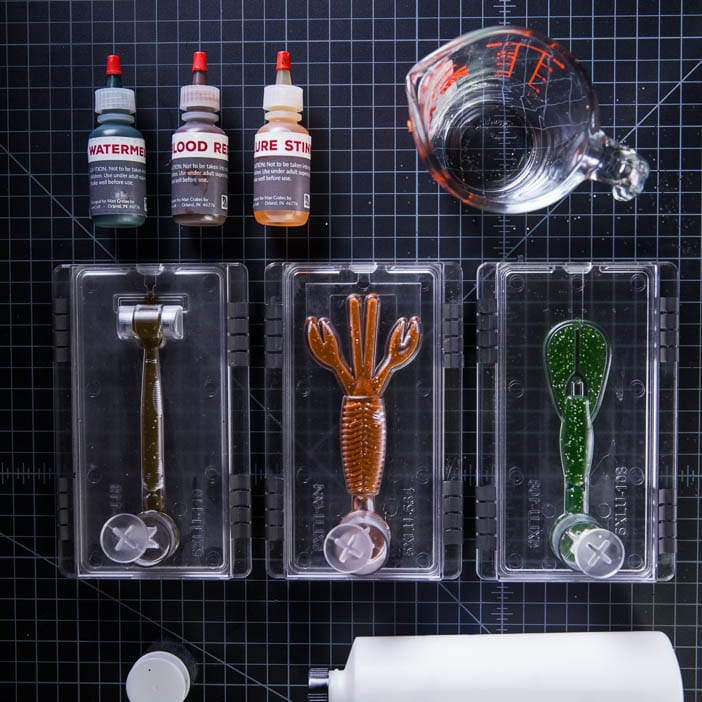 Lure Making Project Kit includes crawdad, worm, and mudbug molds, plastisol, coloring, glitter, lure stink, and instruction book.
